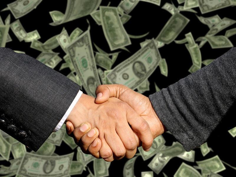 Przestępstwo prania brudnych pieniędzy - pracownik banku