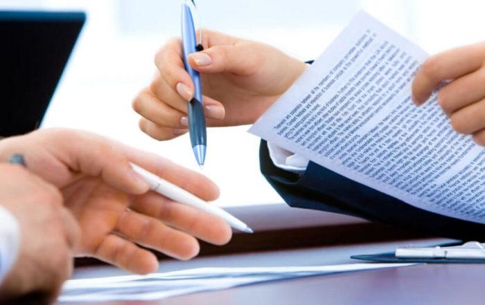 rozwiązanie umowy z nauczycielem